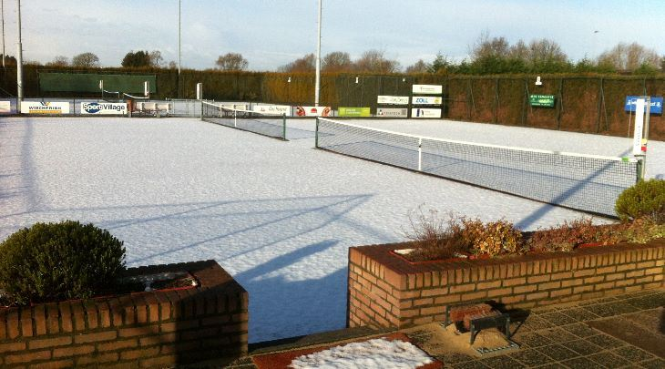 Winters op de tennisbanen